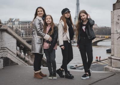 Ricardo y su familia en París